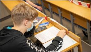 UWAGA ! – Studenci, rozpoczynający kształcenie …